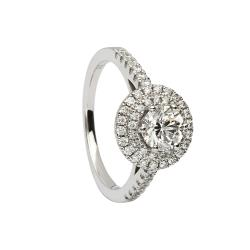 18ct white gold diamond ring