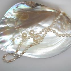 Pearl necklet with 9ct yellow gold beads